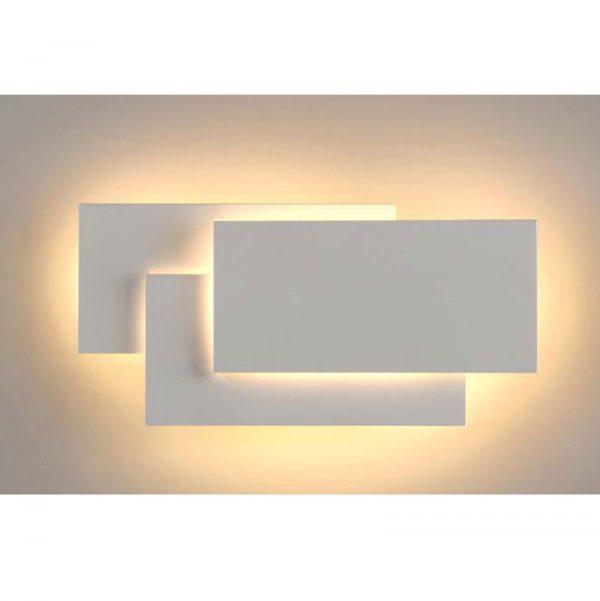 Настенный светильник В010